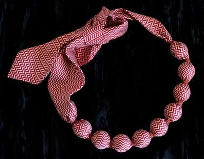 How to tie a tie. Photo: Virginia Bunker